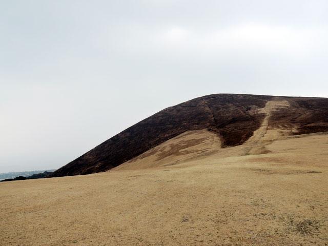 山焼きした鬼岳